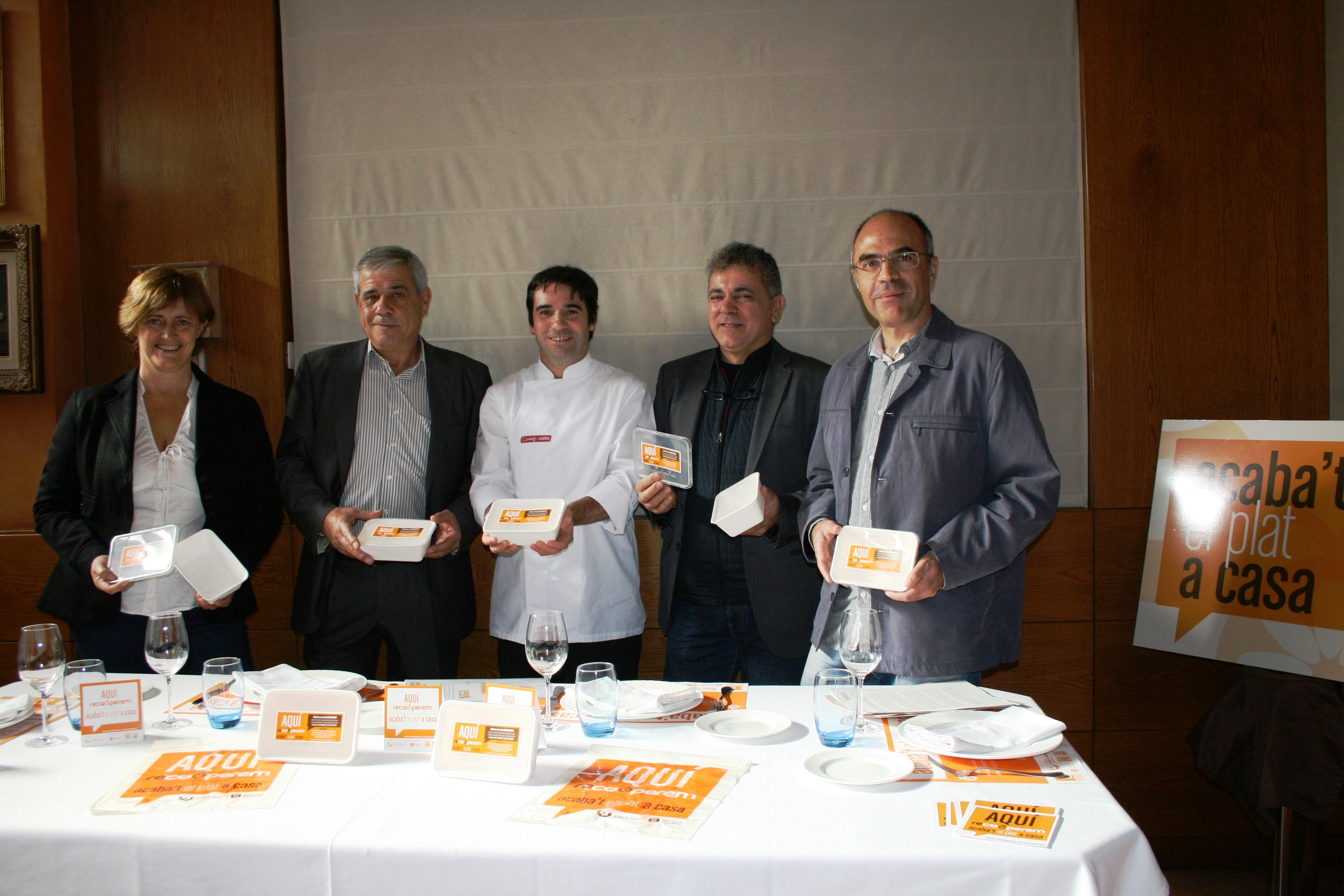 Prop de 140 restaurants participen a la campanya Acaba't el plat a casa a 18 municipis del Vallès Occidental